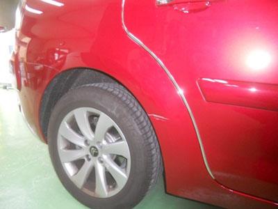 シトロエン・C4 リヤフェンダー板金塗装 永久保証で安心です!