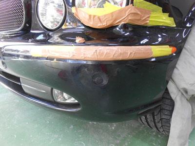 ジャガー フロントバンパー修理 少しでもお安くご提案。