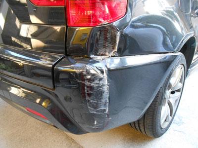 BMW、X3 ディーラーなら交換。佐藤自動車なら修理で永久保証付き