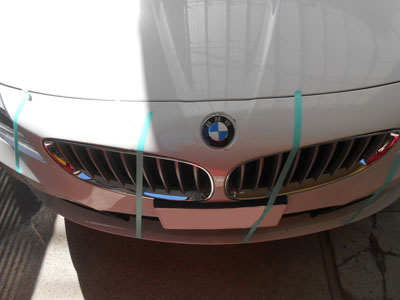 BMW Z4 フロントバンパー交換、保険修理はキャッシュバック付き!