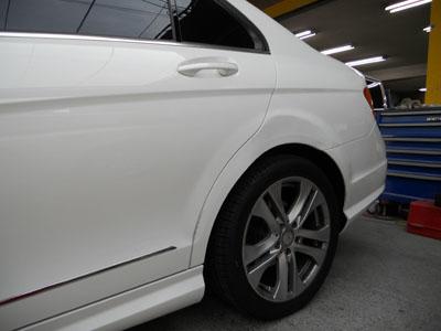 ベンツ・C180 塗料は、メーカー指定を使用。