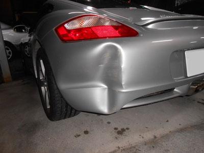 ポルシェ・ケイマン 激しい凹みですが、交換なし!修理で永久保証!!