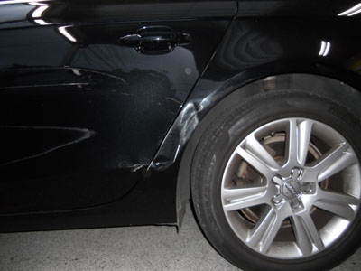 アウディ・A4 ブラック系のお車は、塗装後の磨きに時間を掛けて!