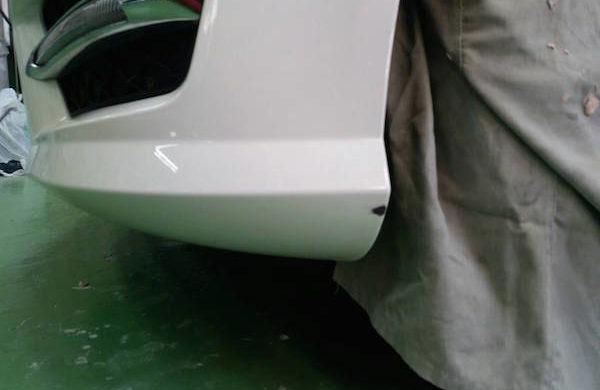 ベンツCクラス/フロントバンパー修理