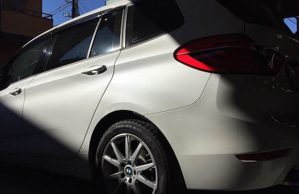 BMW2シリーズ/リヤフェンダー板金塗装