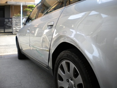 アウディ・A6、保険修理で板金塗装