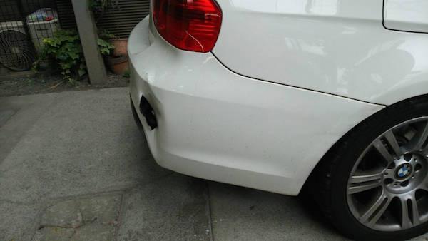 BMW・リヤバンパーの穴開き・切れ修理