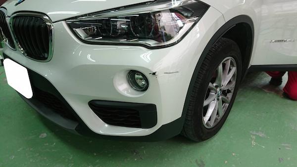 BMW/バンパーの穴あき修理事例