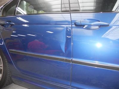 BMW・3シリーズのリヤドア交換(中古)
