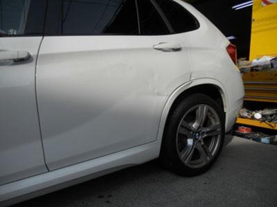 BMW・X1 交換はディーラーで!?いえいえ佐藤自動車で問題なく修理いたします!!