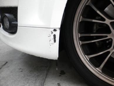 TT アウディのバンパーキズ修理