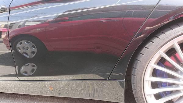BMWアルピナ、デントリペアで凹み修理