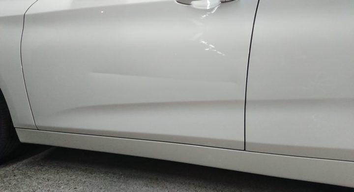 BMW2シリーズ/死角になりぶつけやすい助手席ドア,へこみ修理