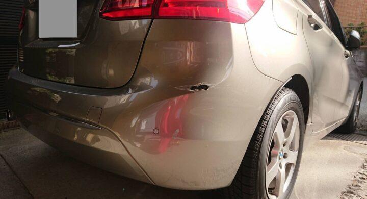 BMW2シリーズ/バンパーに穴があいても修理でお任せください!